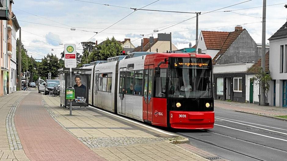 Nahe Strassenbahn-Haltestelle