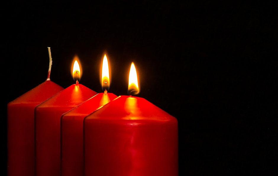 3 brennende Kerzen