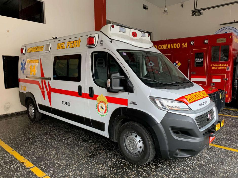 """Rettungswagen der Feuerwache 14 """"International"""" in Lima"""