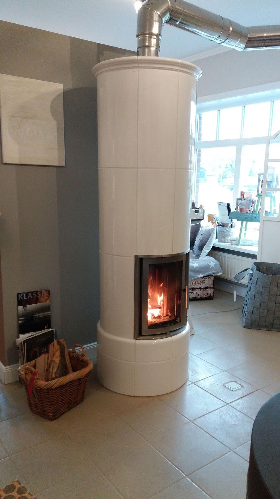 Eine wunderbarer Kombiofen für sichtbares Feuer und lange Wärmespeicherung von über 6 Stunden