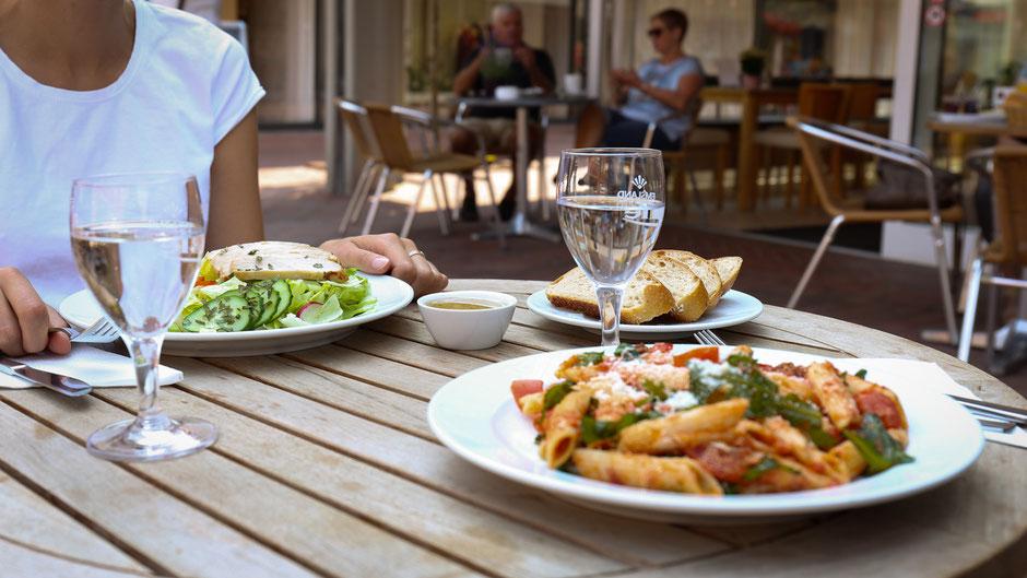 Mittagstisch im Café Mehmann