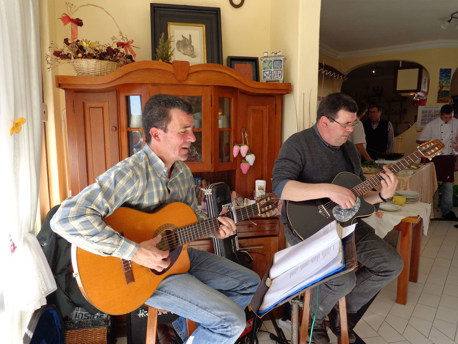 Cafe Jo Jo,traditionelle Musiker aus der Serra de Monchique,Algarve,Portrugal