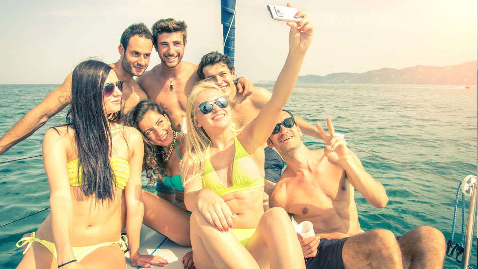 First Transfers und Tours in Galé,Albufeira,Algarve,Portugal perfekter Transport zum Strand mit Familien oder Freunde.