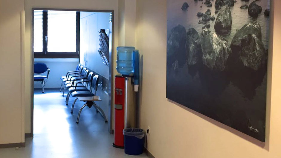 Flur zum Wartezimmer - Facharztpraxis Wolfgang Schweiger Nürnberg
