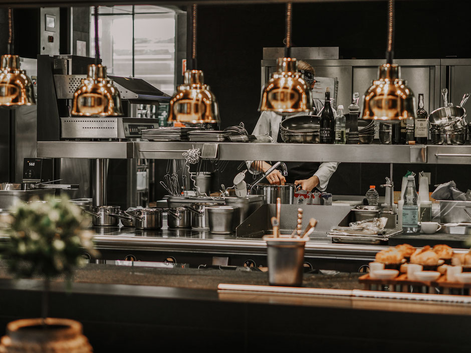Kochen als Erlebnis: dem Fährhaus-Küchenteam über die Schulter gucken
