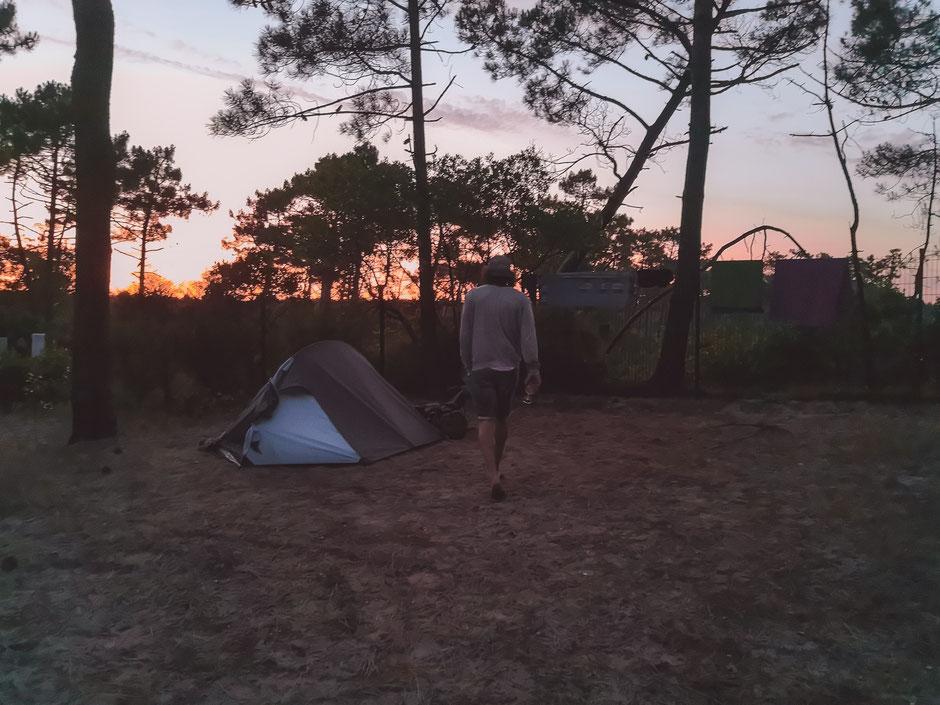 """Gemütliche Abendstimmung auf dem Campingplatz """"Le Truc Vert"""""""