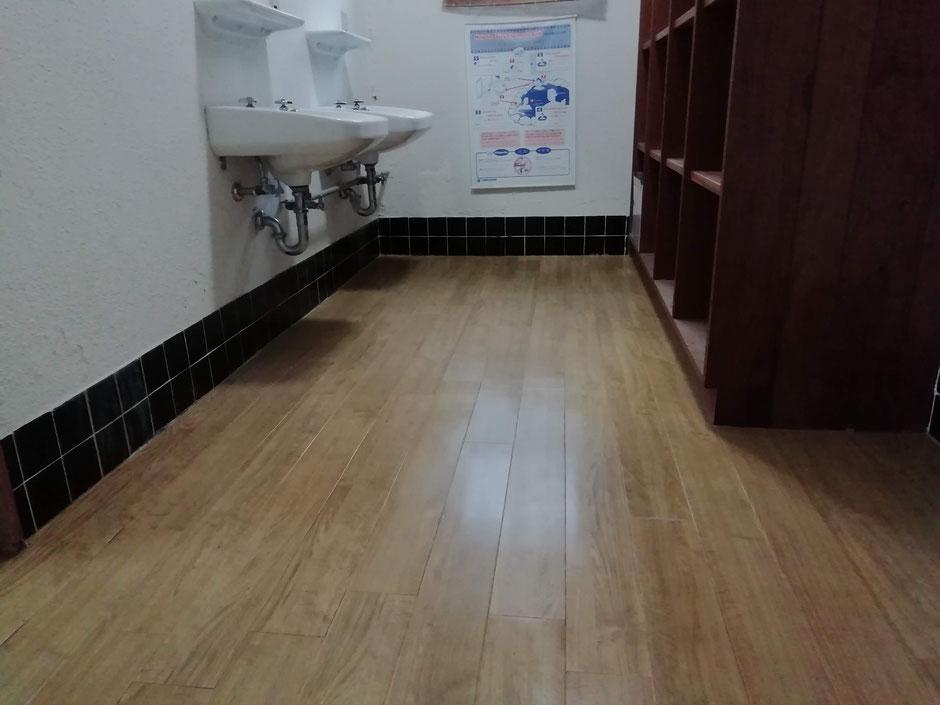 新しい床材を張った状態