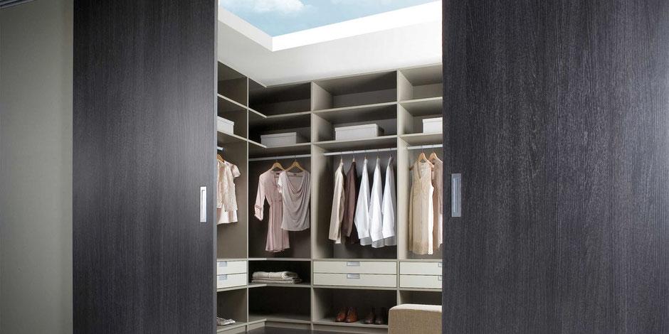 Ob Begehbarer Kleiderschrank oder CD-Regal: die Schranksysteme von Noteborn passen sich an Ihre Bedürfnisse an.