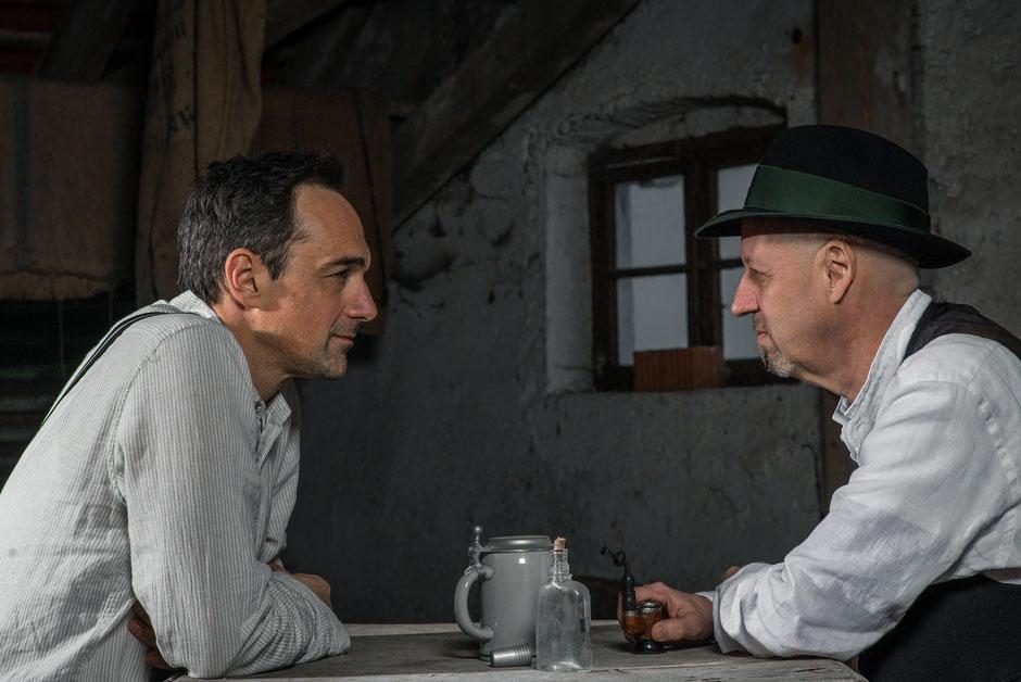 Die gemeinsame Liebe zum bairischen Bier: Harry Blank und Andreas Weinek. (c) Gregor Wiebe Huckleberryking