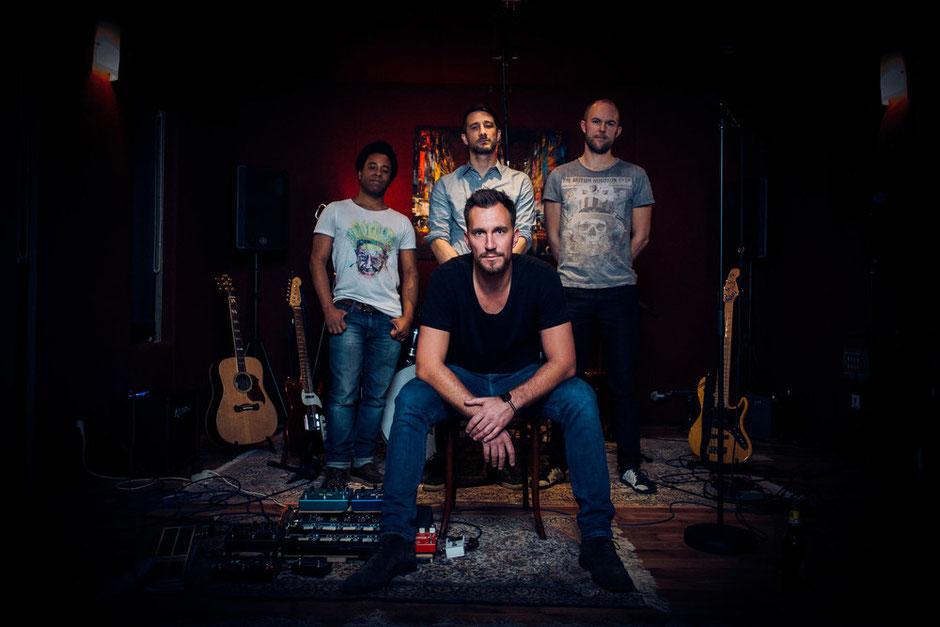 """""""New Shores"""" heißt das Debütalbum der Wiener Band """"Evon Rose"""". (c) Evon Rose"""