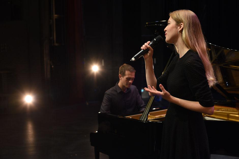 Chanteuse cérémonie laïque Vendée •duo chant & piano pour animation mariage •musique live