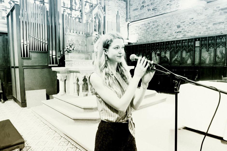 Animation de messe de mariage •chanteuse & pianiste •chant chrétien, gospel, liturgique •Normandie Bretagne Paris Calvados Morbihan Sarthe Indre et Loire Maine et Loire