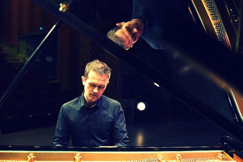Chanteuse  + pianiste cérémonie laîque mariage SOLOGNE