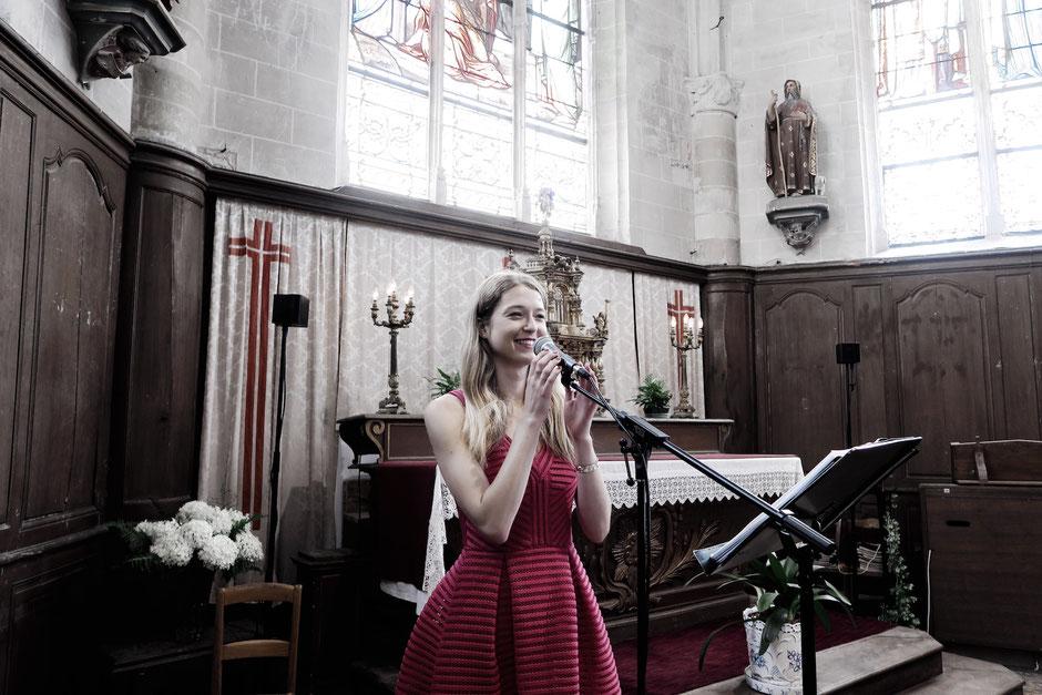 Chanteuse & pianiste, musiciens chanteurs • messe de mariage, cérémonie église, chant de messe •mariage chrétien •musique église •NANTES SAINT-NAZAIRE LA BAULE PORNICHET Loire Atlantique