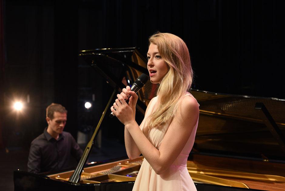 Duo chanteuse & pianiste •duo chant piano •duet singer pianist •duo piano voix •event événementiel repas vin d'honneur soirée concert privé Saint-Lô • Avranches • Coutances • Granville • Cherbourg-en-Cotentin • MANCHE • NORMANDIE