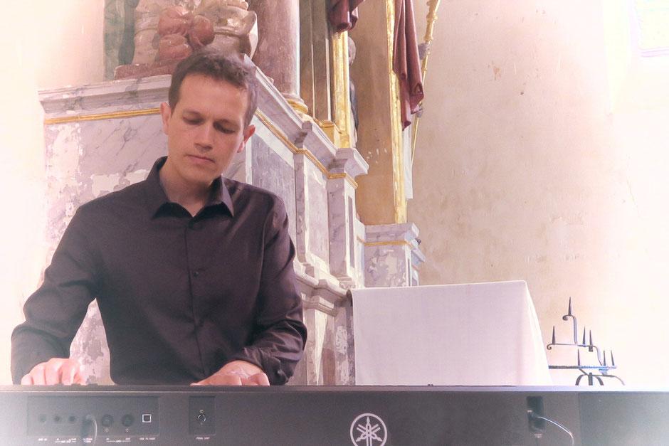 Animation cérémonie de mariage à l'église •chanteurs pour messe de mariage chrétien •chant gospel & liturgique •chanteuse animatrice •Rouen Le Havre Caen Deauville Honfleur Normandie