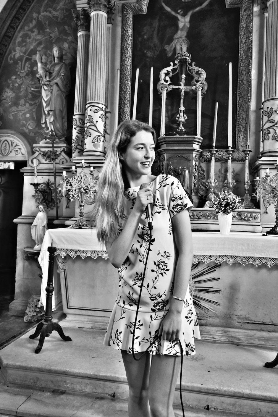 Chanteuse pour messe de mariage, baptême, obsèques • animatrice liturgique •chants de messe •musique mariage •chant religieux & gospel •Paris Evreux Poitiers Angers Tours Nantes Laval Caen Chateauroux Blois Orléans