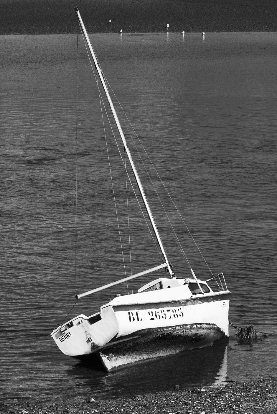 bateau rivage noir & blanc Somme
