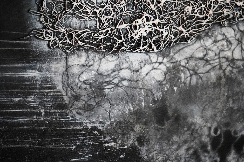 Katharina Lehmann, Source, Ø 100 cm, 2020 · Acrylic, thread on canvas · closeup