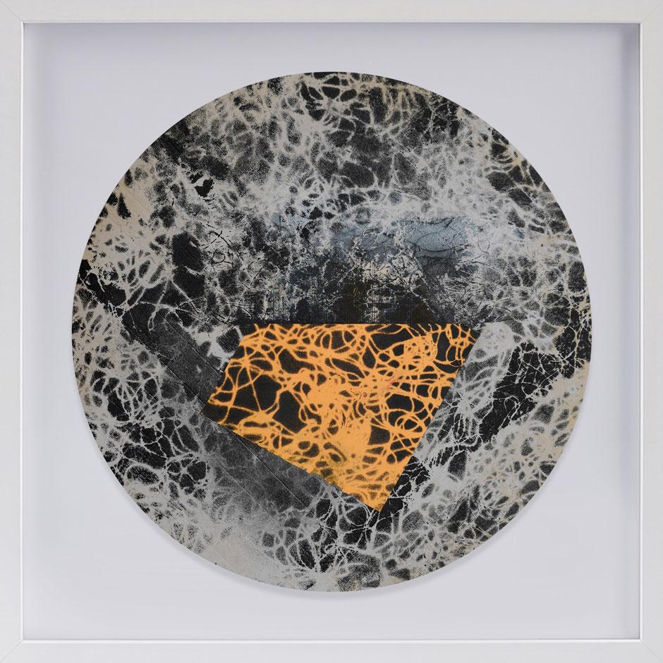 Katharina Lehmann, Transcendent Shapes no. 3, Ø 33 cm, 2019 · framed