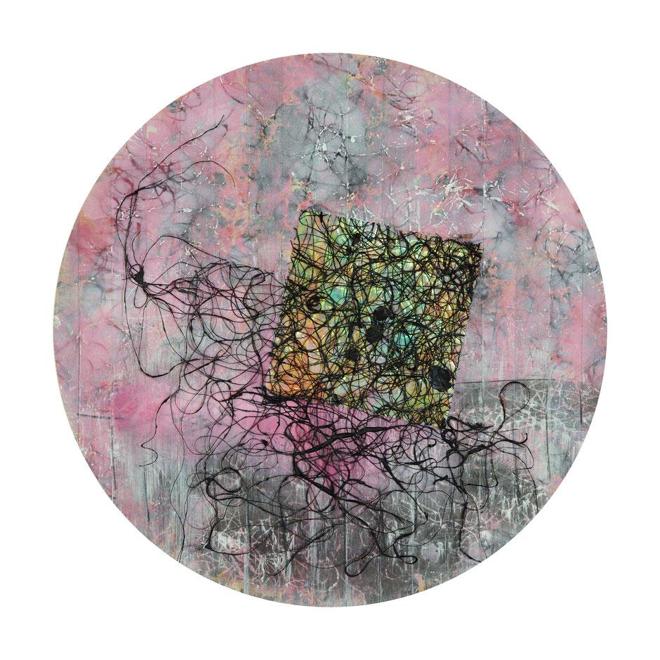 Katharina Lehmann, Transcendent Shapes no. 5, Ø 33 cm, 2019 · Acrylic, thread, pencil on Chinese Xuan paper