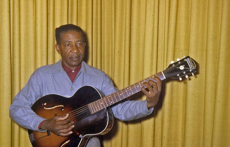 Lonnie Johnson en 1960.