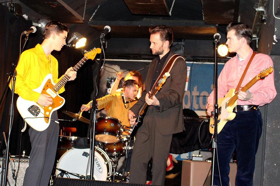 Le groupe : Alexi, Bastien, Lonj et Thibault.