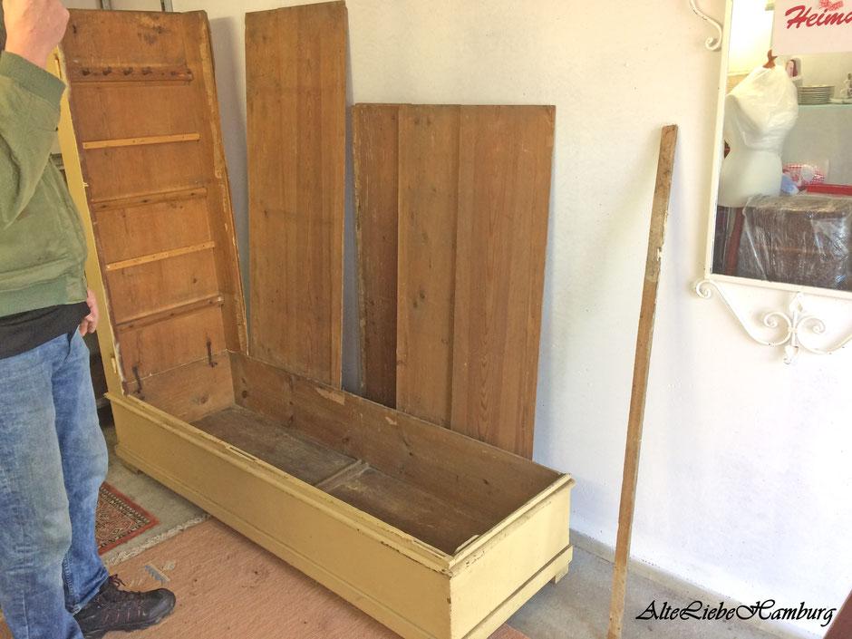 Aufbauanleitung eines alten Bauernschrank