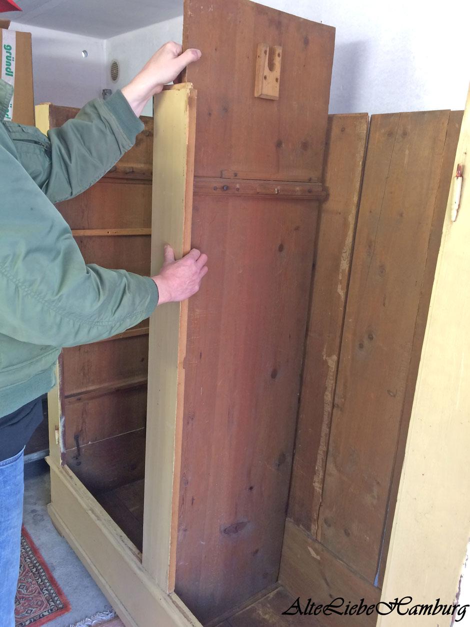 Aufbauanleitung alter Holzschrank