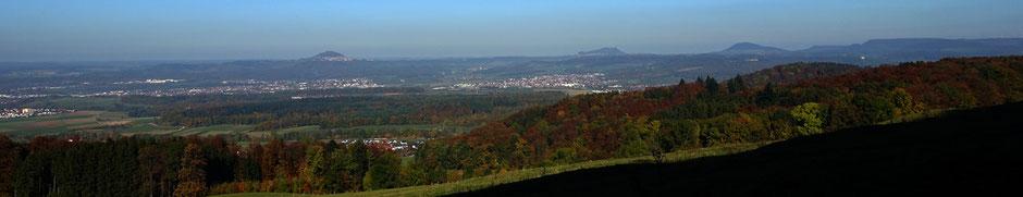 Die drei Kaiserberge: Hohenstaufen (684 m ü. NHN), Rechberg (708 m ü. NHN) und Stuifen (757 m ü. NHN) sind Zeugenberge der Schwäbischen Alb