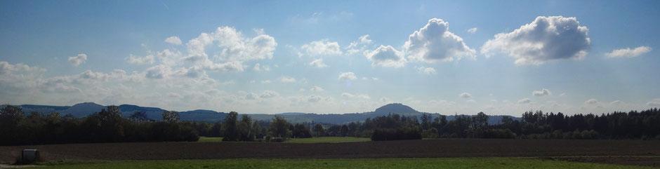 Blick von Breech auf die Kaiserberge: Hohenstaufen, Rechberg und Stuifen