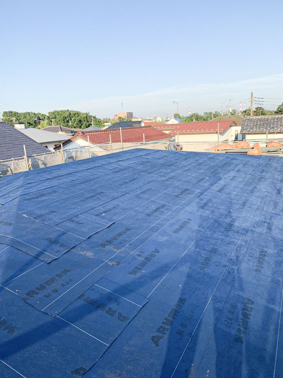 鎌ヶ谷市 雨漏りにエコラ屋根カバー工法 防水シート