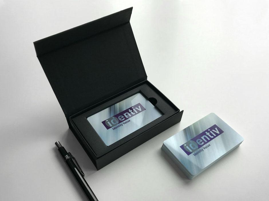 Membercard (Identiv AG) mit hochwertiger Klappschachtel in Schwarz und Magnetverschluss