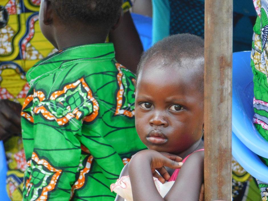 Childhood for children - Bildung schenkt Zukunft - Hilfe für Afrika