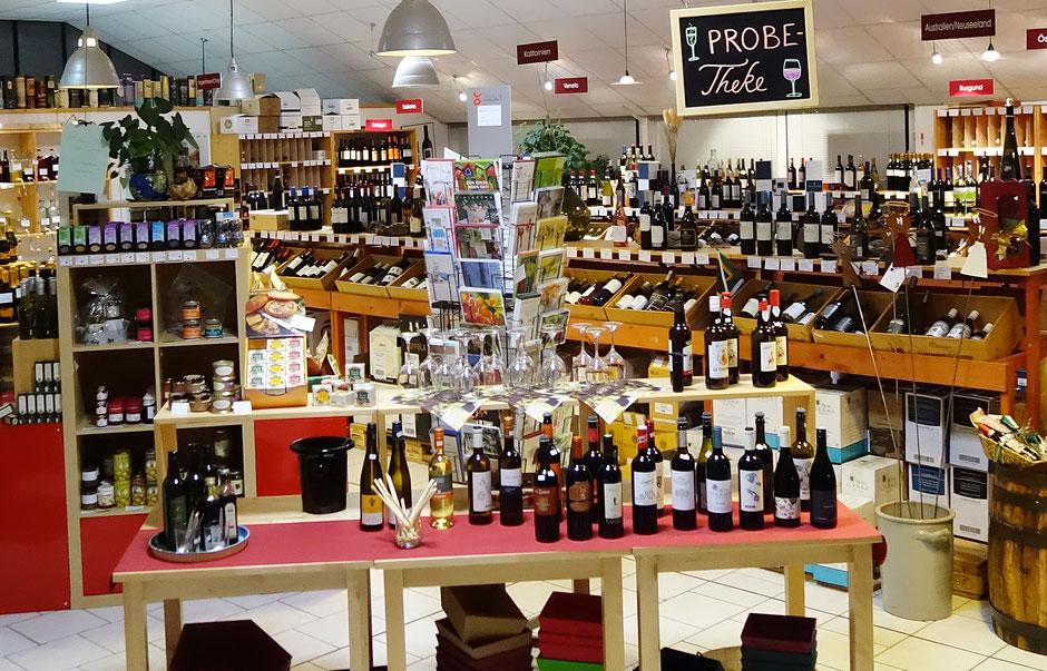 Blick in den Weinladen mit Probetheke