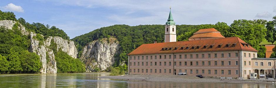 Blick auf das Kloster Weltenburg am Donaubruch