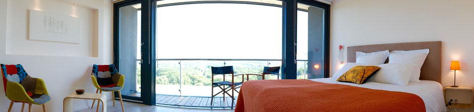 Terrasse privative pour cette belle chambre d'hôtes de la Villa-Lascaux