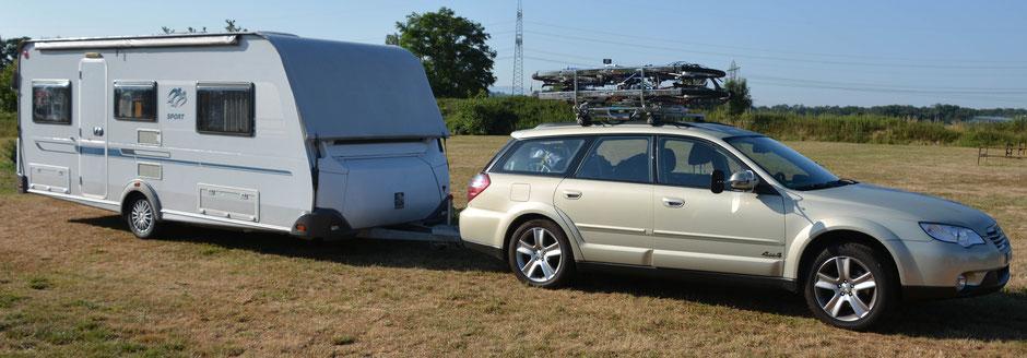 zugfahrzeug subaru outback 2,5 liter benziner / allrad / automat. - wohnwagen knaus sport 500 eu mit fahrbarem schutzdach und mover.
