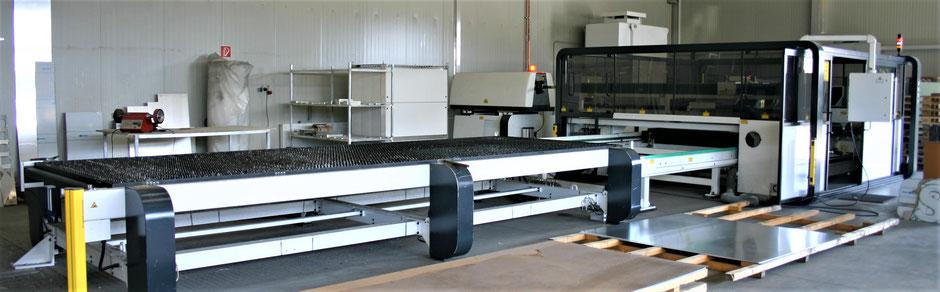 Unsere Laserschnedeanlage für Stahl, Edlestahl und Kunststoff.