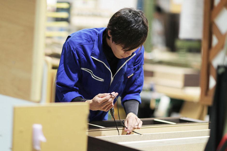 広島県庄原市でベッドフレームを製造している舛元木工株式会社です。