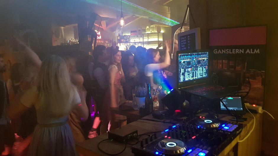 Grenzenlos und ungestört Party feiern - take five
