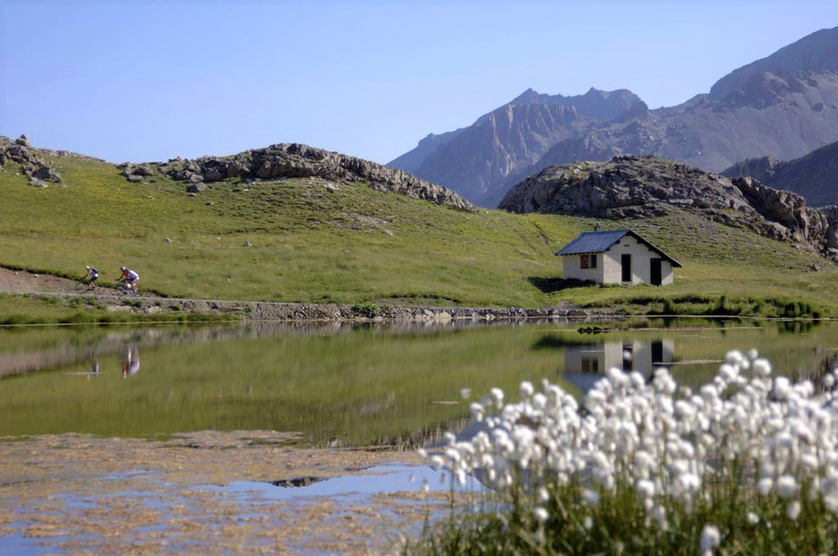 Lac des Eissaupes - route de la Bonette