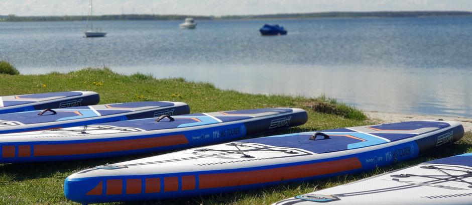 Kitesurfen lernen im Salzhaff in deiner Ostsee Kiteschule vom VDWS. TipTop Kitekurs an der Ostsee in deiner Surfschule Rerik. Die Ostsee Kiteschule freut sich auf deine Buchung für deinen Sommerurlaub. Jetzt Kiten lernen Ostsee!dein Windsurfkurs Ostsee