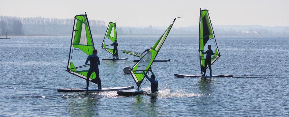 Windsurfen lernen in der VDWS Surfschule Rerik am Salzhaff an der OStsee- Dein Windsurfkurs an der Ostsee in der VDWS Wassersportschule Ostsee