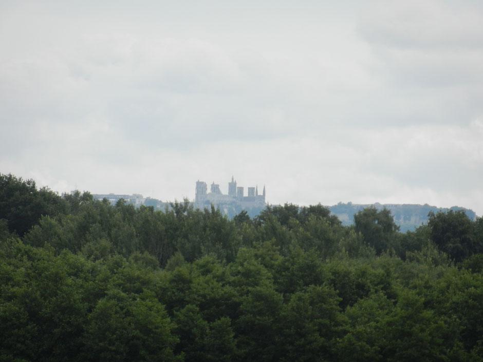 vue sur la cathédrale de Laon depuis le gîte