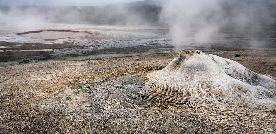 Solfatares, ou marmites de boue  (Islande)