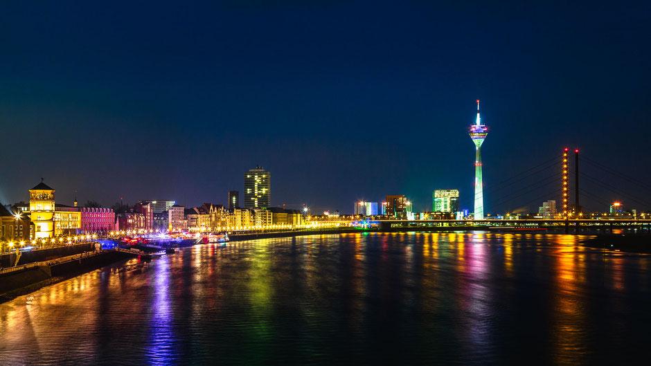 Skyline Düsseldorf, Deutschland, Architektur, Skylines, Cityscape, Stadt bei Nacht