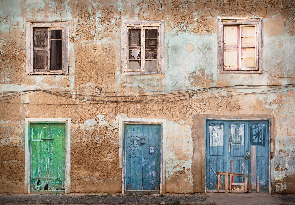 Sal Rei, Boa Vista, Kapverden, Architektur, Türen und Fenster, Türen, Fenster, Fassaden, Alte Türen