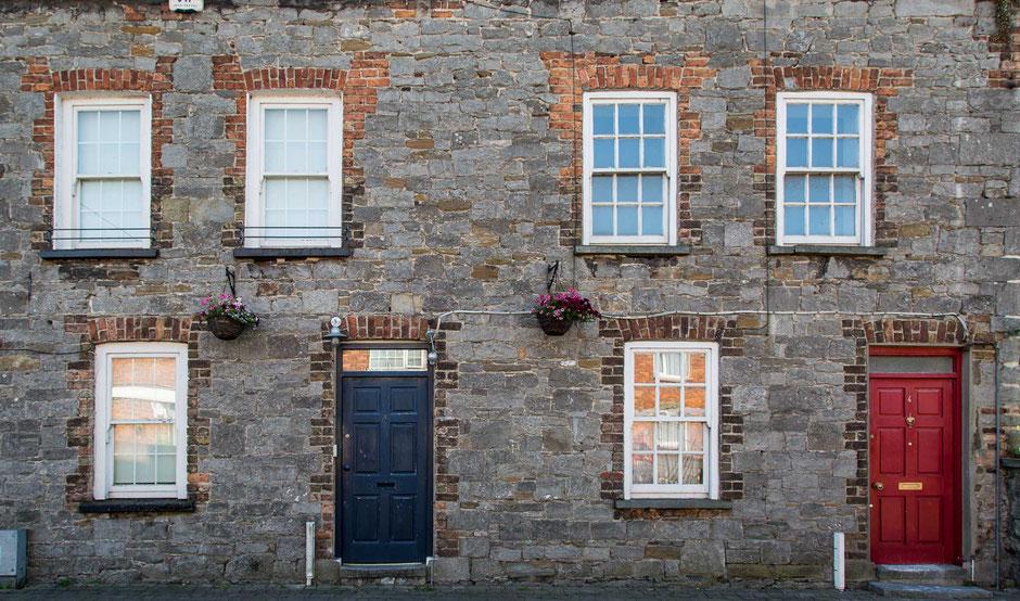 Limerick, Irland, Architektur, Türen und Fenster, Türen, Fenster, Fassaden, Alte Türen
