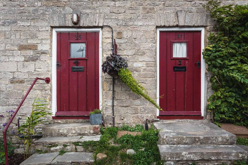Corfe Castle, Dorset, England, Architektur, Türen und Fenster, Türen, Alte Türen